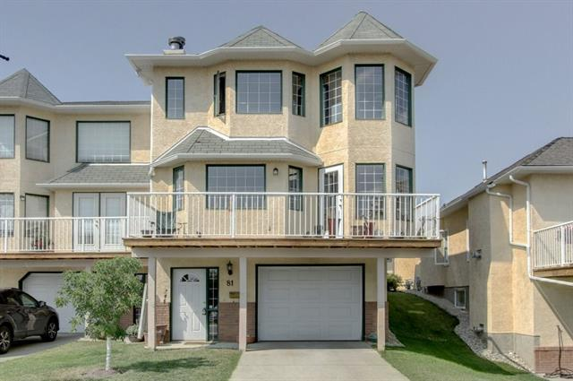81 Patina Hill(S) SW, Calgary, AB T3H 3N3 (#C4200607) :: Redline Real Estate Group Inc