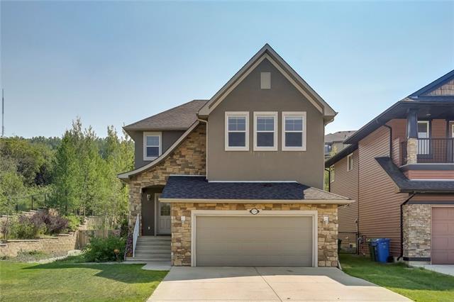 158 Crestmont Drive SW, Calgary, AB T3B 0A1 (#C4200638) :: Redline Real Estate Group Inc