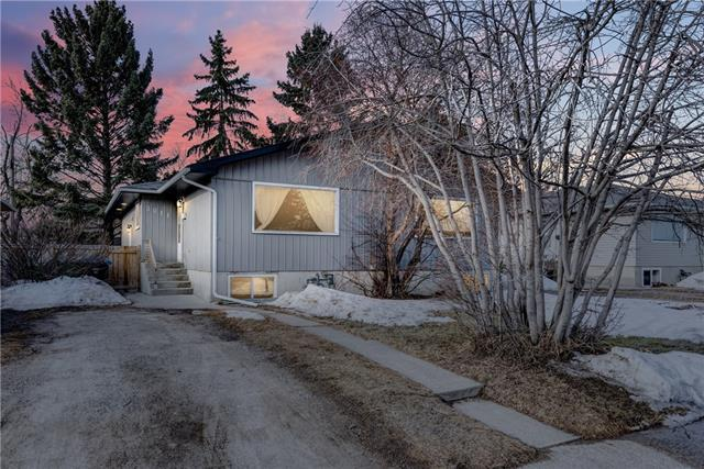 3011 14 Avenue SW, Calgary, AB T3C 0X2 (#C4200661) :: Canmore & Banff