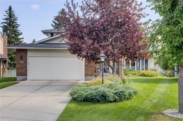 136 Lake Adams Green SE, Calgary, AB T2J 3N4 (#C4200738) :: Your Calgary Real Estate