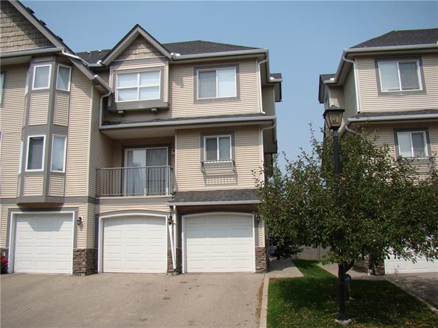 131 Cedarwood Lane SW, Calgary, AB T2W 6J3 (#C4200749) :: Canmore & Banff