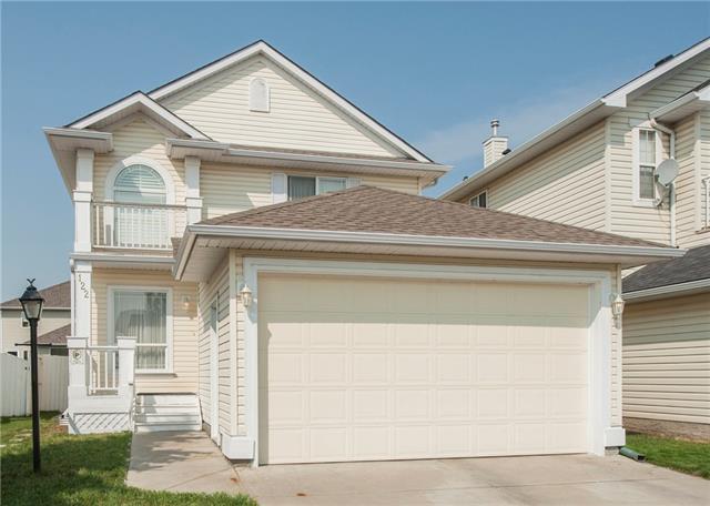 122 Coral Reef Crescent NE, Calgary, AB T3J 3Y5 (#C4200894) :: Redline Real Estate Group Inc