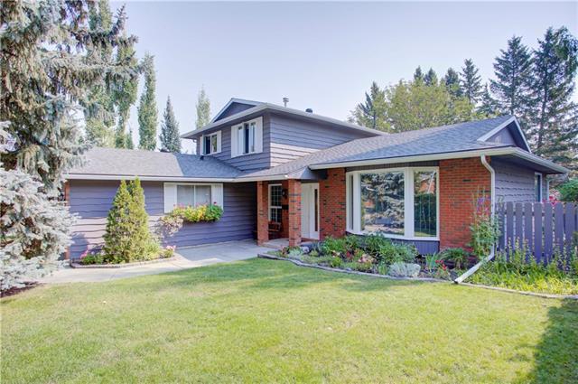 104 Oakside Circle SW, Calgary, AB T2V 4H1 (#C4200899) :: Canmore & Banff