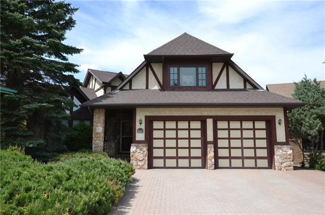 19 Edgehill Bay NW, Calgary, AB T3A 2X2 (#C4201093) :: Redline Real Estate Group Inc