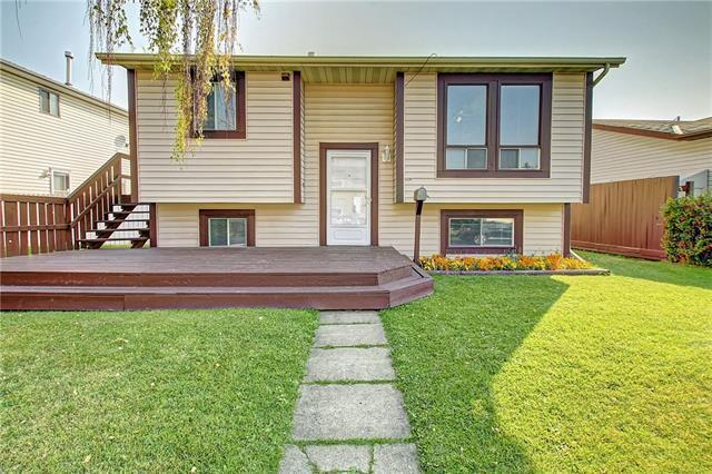 28 Castlebrook Rise NE, Calgary, AB T3J 1R5 (#C4201268) :: Redline Real Estate Group Inc