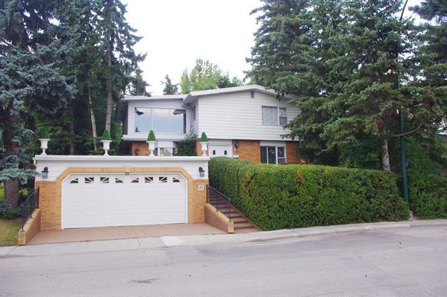 43 Snowdon Crescent SW, Calgary, AB T2W 0S2 (#C4201321) :: Canmore & Banff