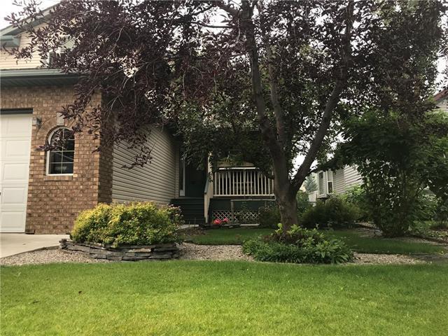 67 Bow Ridge Crescent, Cochrane, AB T4C 1T9 (#C4201495) :: Redline Real Estate Group Inc