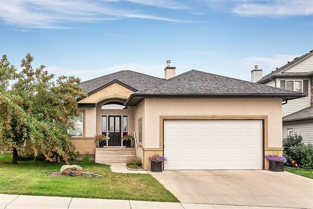 98 Sheep River Crescent, Okotoks, AB T1S 1V3 (#C4201551) :: The Cliff Stevenson Group