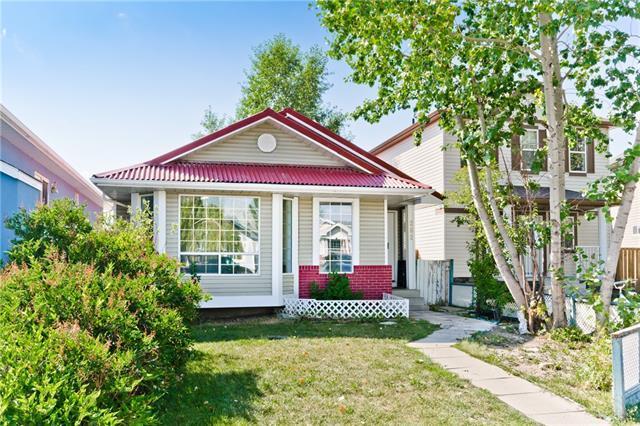 262 Martinwood Place NE, Calgary, AB T3J 3H6 (#C4201646) :: The Cliff Stevenson Group