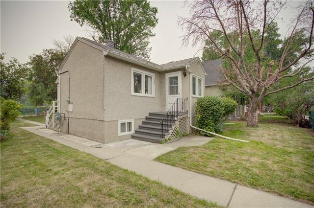 407 20 Avenue NW, Calgary, AB T2M 1C5 (#C4201656) :: Canmore & Banff