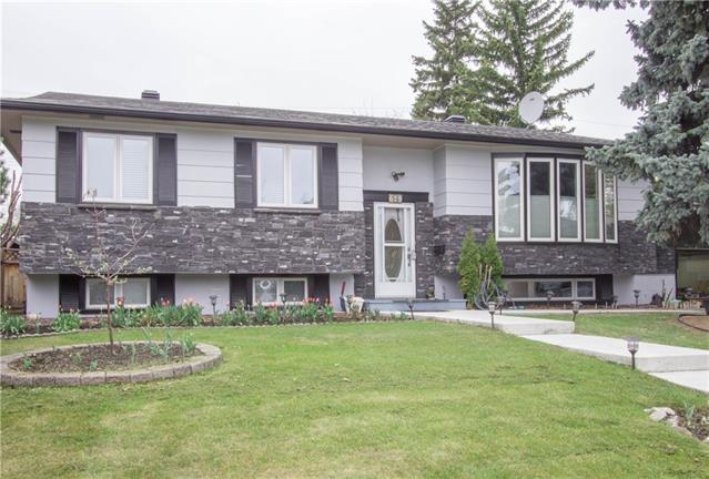 615 Willowburn Crescent SE, Calgary, AB T2J 1M9 (#C4201702) :: Canmore & Banff
