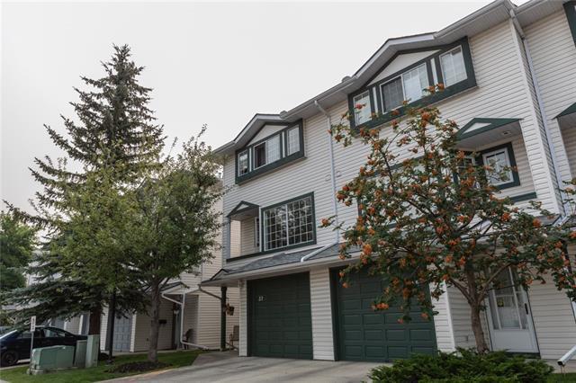 37 Kingsland Villa(S) SW, Calgary, AB T2V 5J9 (#C4201844) :: Redline Real Estate Group Inc