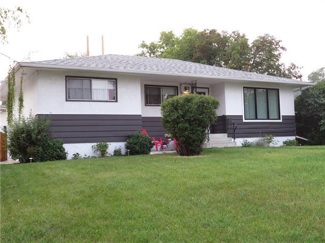 2021 Cottonwood Crescent SE, Calgary, AB T2B 1P9 (#C4201997) :: Redline Real Estate Group Inc