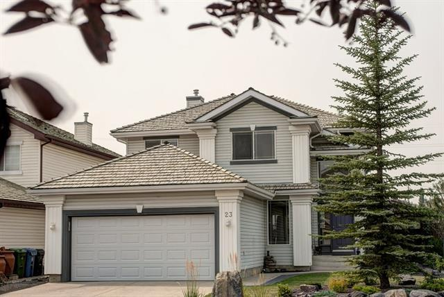 23 Valley Ponds Way NW, Calgary, AB T3B 5T5 (#C4202011) :: Canmore & Banff