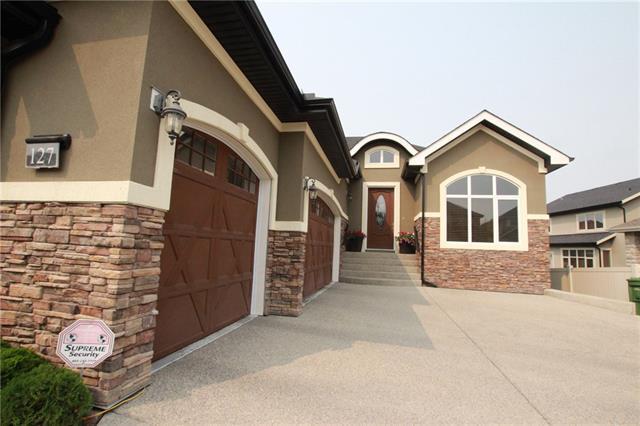 127 Aspen Cliff Close SW, Calgary, AB T3H 0M1 (#C4202047) :: Calgary Homefinders