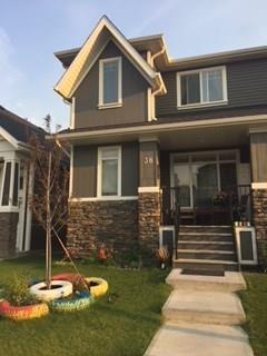 38 Fireside Circle, Cochrane, AB T4C 0Z4 (#C4202139) :: Redline Real Estate Group Inc