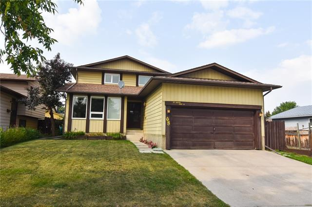 68 Bedford Drive NE, Calgary, AB T3K 1L4 (#C4202255) :: Redline Real Estate Group Inc