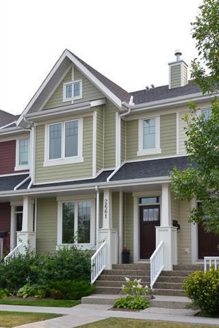 2661 Dallaire Avenue SW, Calgary, AB T3E 7T1 (#C4202294) :: The Cliff Stevenson Group