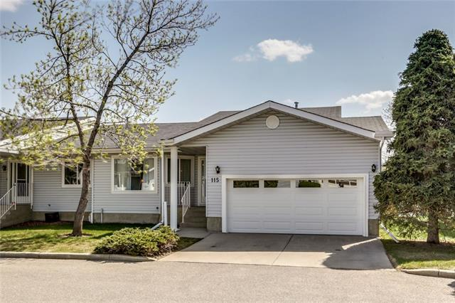 115 Lincoln Manor SW, Calgary, AB T3E 7E3 (#C4202358) :: Redline Real Estate Group Inc