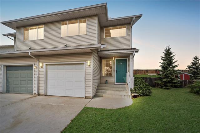 28 West Terrace Road, Cochrane, AB T4C 1S5 (#C4202678) :: Tonkinson Real Estate Team