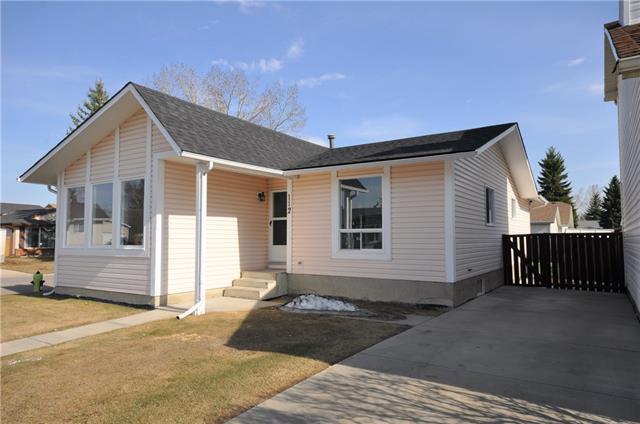112 Deer Lane Close SE, Calgary, AB T2J 5X7 (#C4202683) :: Redline Real Estate Group Inc