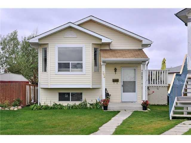 55 Applebrook Circle SE, Calgary, AB T2A 7T2 (#C4202704) :: The Cliff Stevenson Group