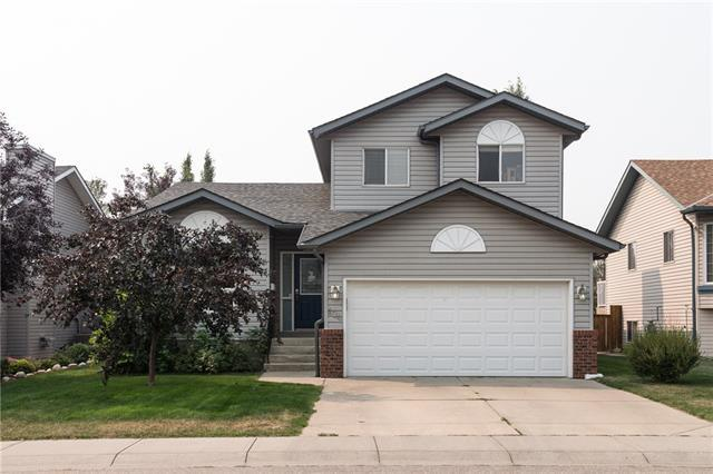 104 Sunridge Place NW, Airdrie, AB T4B 2H9 (#C4202849) :: Calgary Homefinders