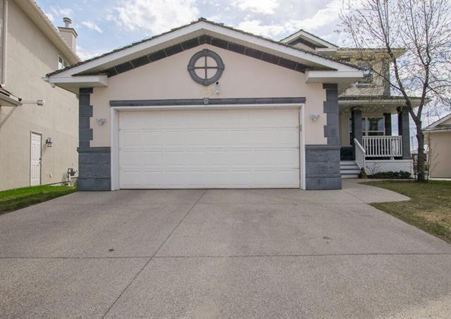 132 Coral Shores Cape NE, Calgary, AB T3J 3T8 (#C4202886) :: Redline Real Estate Group Inc