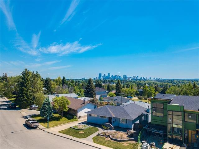 66 Cromwell Avenue NW, Calgary, AB T2L 0M7 (#C4203141) :: Canmore & Banff