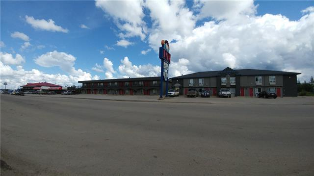 116 Highway Avenue, Fox Creek, AB T0H 1P0 (#C4203152) :: Canmore & Banff