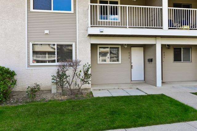 200 Brookpark Drive SW #626, Calgary, AB T2W 3E5 (#C4203225) :: Redline Real Estate Group Inc