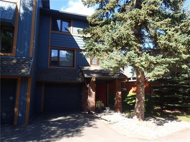 10030 Oakmoor Way SW #43, Calgary, AB T2V 4S8 (#C4203415) :: Redline Real Estate Group Inc