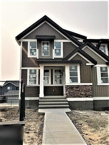 274 Carringvue Drive NW, Calgary, AB T3P 1K9 (#C4203459) :: Redline Real Estate Group Inc