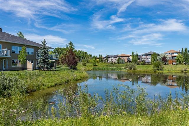 8 Rowland Lane, Okotoks, AB T1S 2C4 (#C4203500) :: Redline Real Estate Group Inc