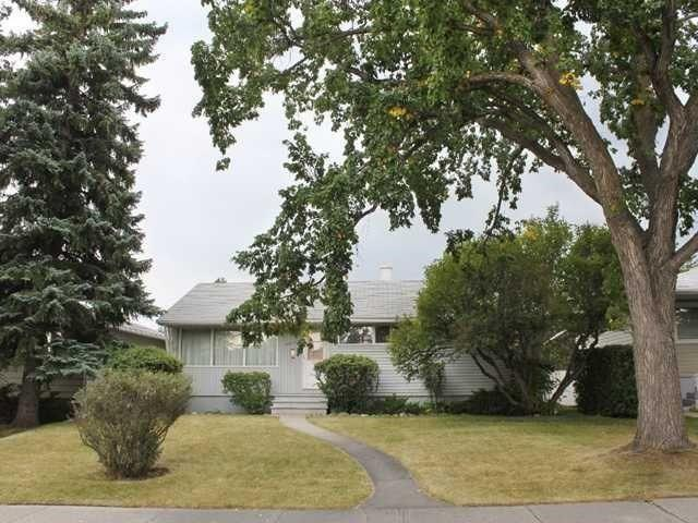 3319 34 Avenue SW, Calgary, AB T3E 0Z3 (#C4203526) :: Calgary Homefinders