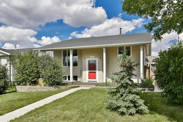 64 Mayfair Close SE, Airdrie, AB T4A 1T4 (#C4203810) :: Redline Real Estate Group Inc