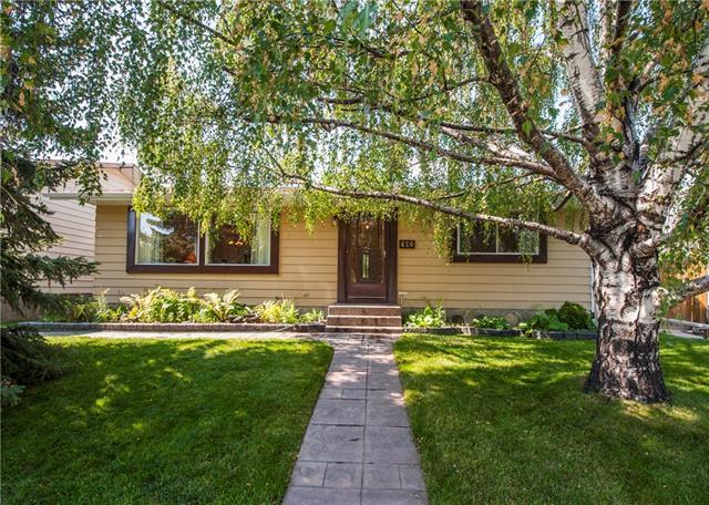 426 Queensland Place SE, Calgary, AB T2J 5C9 (#C4203864) :: Redline Real Estate Group Inc