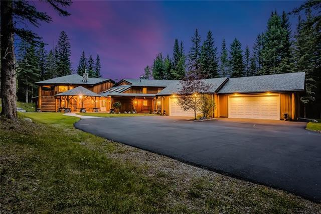 19 Squirrel Crescent, Bragg Creek, AB T0L 0K0 (#C4203919) :: Calgary Homefinders
