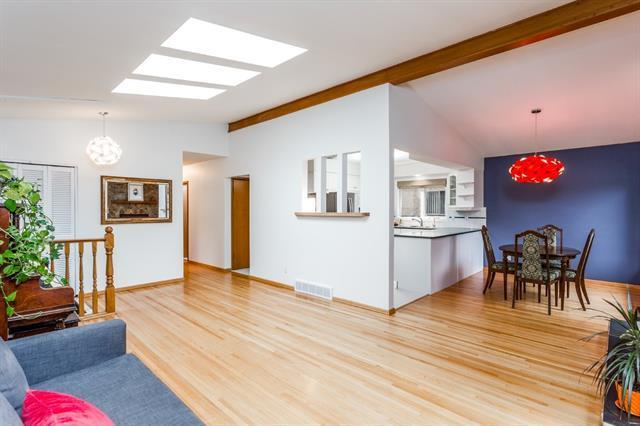 100 Bennett Crescent NW, Calgary, AB T2L 1R1 (#C4204088) :: Redline Real Estate Group Inc