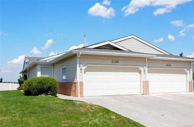 1090 Shawnee Road SW, Calgary, AB T2Y 2S8 (#C4204173) :: Your Calgary Real Estate
