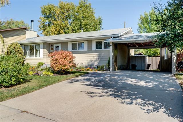 1363 Lake Sylvan Drive SE, Calgary, AB T2J 3E4 (#C4204191) :: Calgary Homefinders