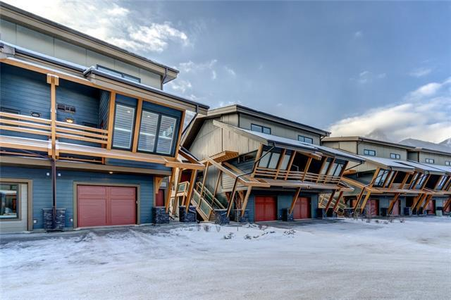 105 Stewart Creek Rise #301, Canmore, AB T1W 0J5 (#C4204258) :: Canmore & Banff