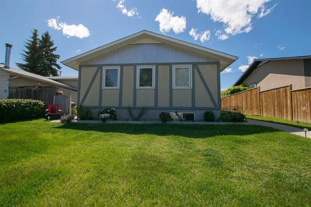87 Pensville Road SE, Calgary, AB T2A 4K3 (#C4204289) :: Redline Real Estate Group Inc