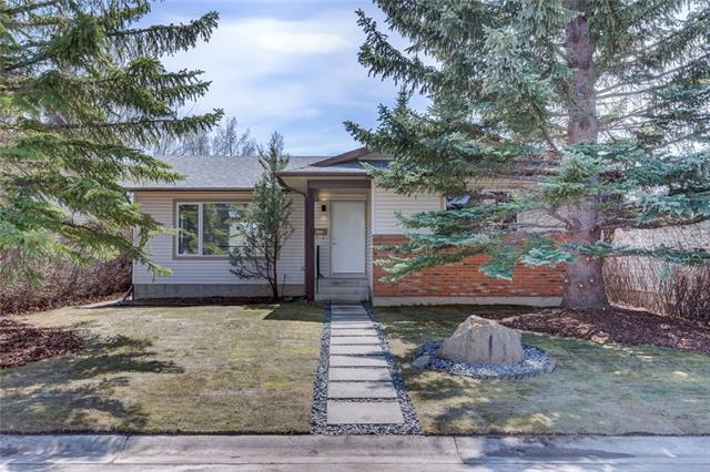 120 Woodside Circle SW, Calgary, AB T2W 3K3 (#C4204309) :: Redline Real Estate Group Inc
