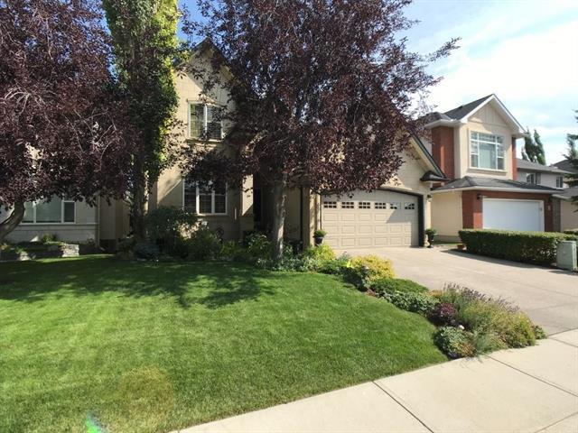 64 Strathridge Close SW, Calgary, AB T3H 3R9 (#C4204311) :: The Cliff Stevenson Group
