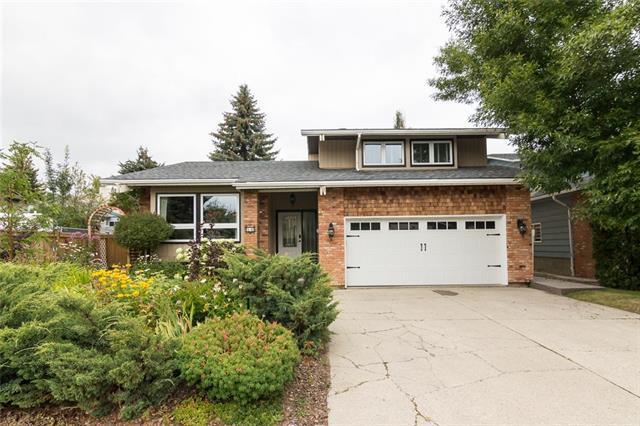 60 Deercrest Way SE, Calgary, AB T2J 5W2 (#C4204356) :: Redline Real Estate Group Inc