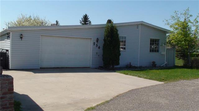 236 Huntwell Place NE, Calgary, AB T2K 5T9 (#C4204406) :: Redline Real Estate Group Inc