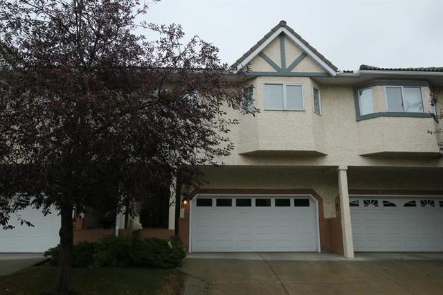 38 Richelieu Court SW, Calgary, AB T3E 7E9 (#C4204407) :: Redline Real Estate Group Inc