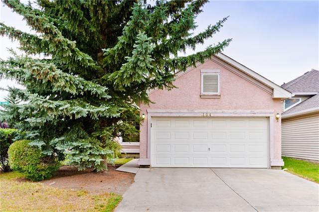 104 Somerset Drive SW, Calgary, AB T2Y 3C8 (#C4204517) :: Redline Real Estate Group Inc