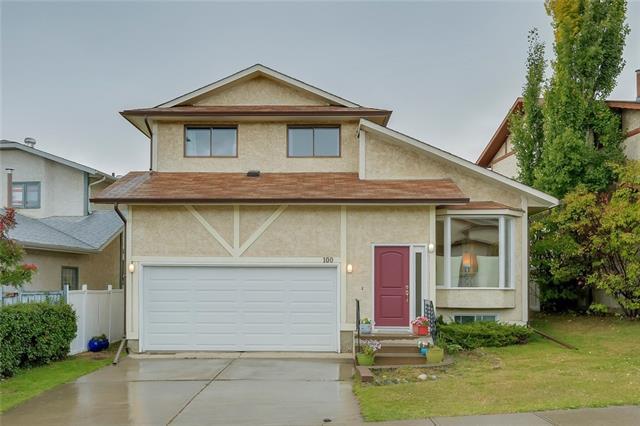 100 Hawkcliff Way NW, Calgary, AB T3G 2S2 (#C4204620) :: Redline Real Estate Group Inc